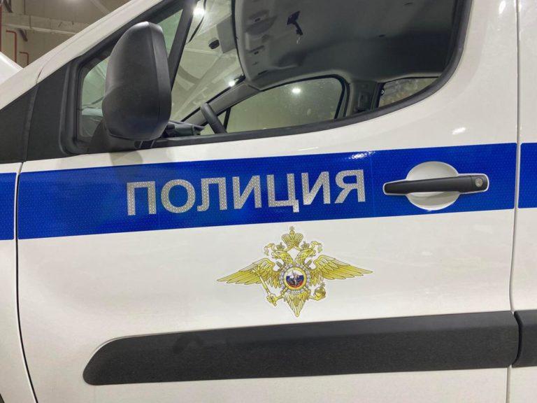 Оклеен автомобиль полиция