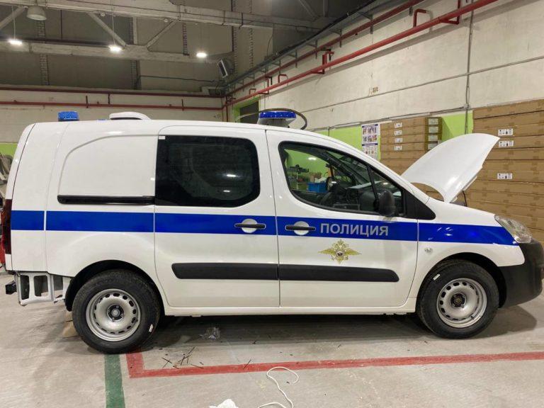 Оклейка авто полиция