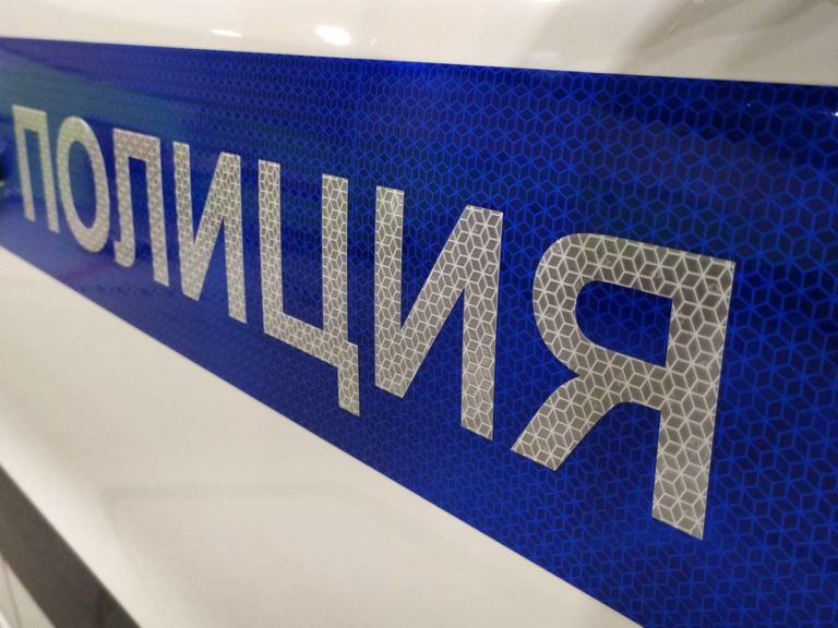 Оклейка авто полиция пленкой Оралайт 412